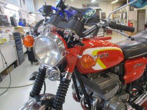 ancienne-moto-suzuki-380-gt